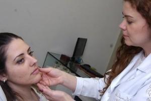 Vida e Saúde: Vitamina B12 tem relação com o surgimento de espinhas