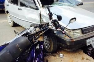 Caratinga: Motociclista morre após batida em Uno