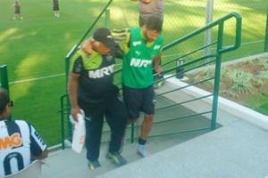 Atlético: Luan de volta ao gramado. Carlos se contunde