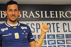 Cruzeiro: Ariel Cabral é apresentado
