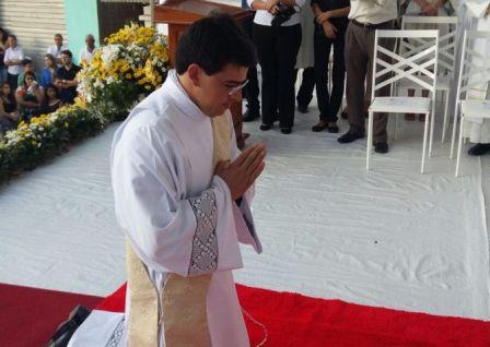 padre-reginaldo-ordenado-vilanova-manhuacu-cerimonia-2