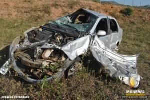 Ipanema: Siena capota e fere 5 pessoas
