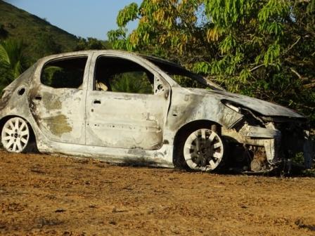 carro-miradouro-incendiado-2