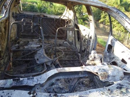 carro-miradouro-incendiado