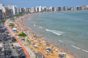 "Absurdo: Guarapari quer cobrar ""pedágio"" de turistas"