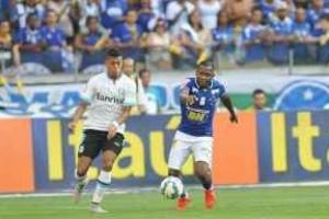 Brasileirão: Cruzeiro joga bem, mas somente empata