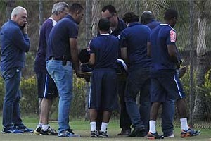 Cruzeiro: Allano se machuca durante treino