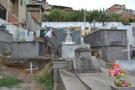limpeza-cemiterio-2