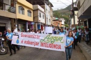 Manhuaçu: Mobilização contra dengue e uso de água tem boa participação