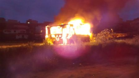 Onibus Incendiado BLajinha (1)