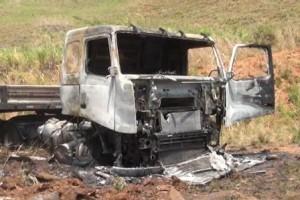 Inhapim: Caminhão pega fogo na BR 116