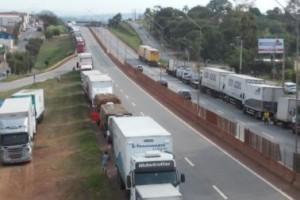 Paralisação: Grupo de caminhoneiros em greve a partir de hoje, 09/11