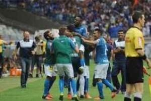 Cruzeiro: Time goleia e fica próximo ao G4