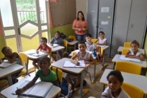 Manhuaçu: Mais escolas municipais têm mobília substituída