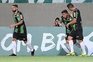 Mineiro: América goleia o Tupi e lidera a competição