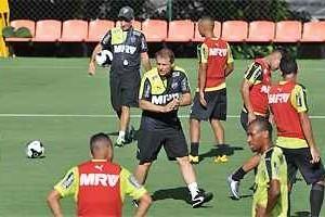 Atlético mantém time do ano passado contra o Flamengo