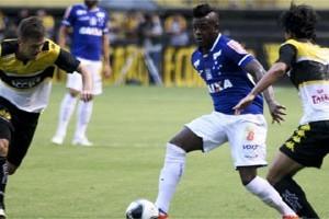 Cruzeiro estreia com empate na Primeira Liga