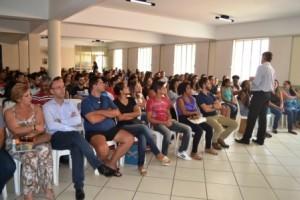 Manhuaçu: Mais de 100 concursados tomam posse