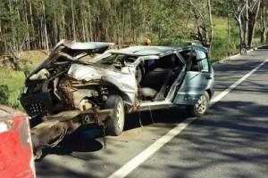 São João do Manhuaçu: Capotamento deixa duas pessoas feridas na BR 116