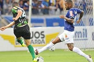 Cruzeiro: Após empate, Dedé diz que time recuou demais