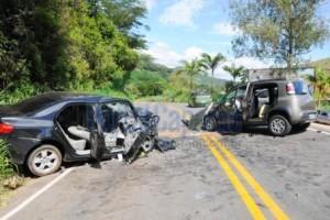 MG 111: Quatro feridos em grave acidente entre Manhumirim e Reduto