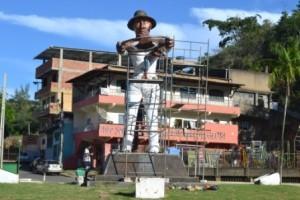 Manhuaçu: Monumento ao Cafeicultor passa por restauração