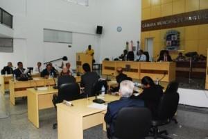 Manhuaçu: Cobrada limpeza de terreno da prefeitura na Câmara. Veja projetos aprovados