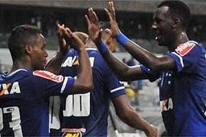 1ª Liga: Cruzeiro vence Atlético/PR de virada