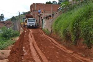 Manhuaçu: Prefeitura realiza obras no bairro Santa Terezinha
