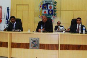 Manhuaçu: Vereadores debatem problemas na saúde e revisão do Plano Diretor