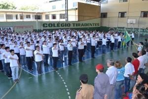 Manhuaçu: Jovens fazem juramento à Bandeira