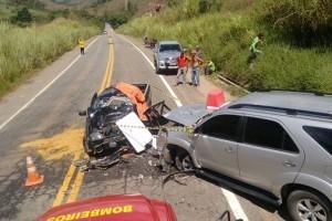 Martins Soares: Motorista morre em acidente na divisa com  Espírito Santo
