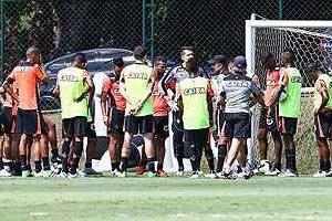Atlético cancela treino de reconhecimento de gramado