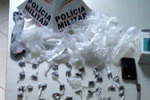 Manhuaçu: PM apreende 86 buchas de maconha na Matinha