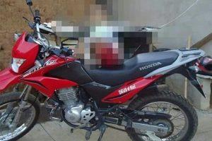 Mulher tem moto roubada em Orizânia