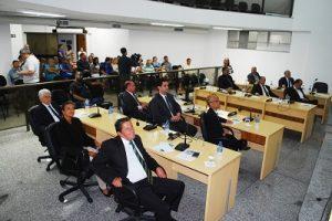 Vereadores trancam pauta em favor dos servidores municipais de Manhuaçu