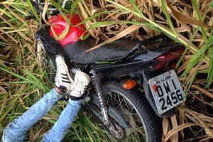Mutum: Dois feridos em acidente com moto