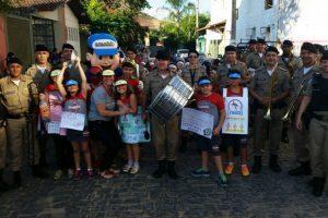 Manhuaçu: Banda de Música da PM participa de ação contra a Dengue