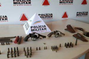 PM apreende armas, munições, drogas e faz prisões na Operação Alferes Tiradentes