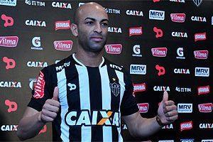 Atlético contrata novo zagueiro