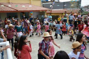 Catequese promove arraiá no Bairro Santa Luzia. Veja as fotos