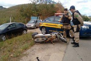 Motociclista fica ferido em acidente na BR 116