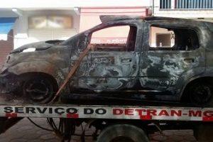 Uno roubado em Manhuaçu é encontrado queimado em Orizânia