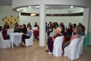 Poetas participam de chá cultural em Manhuaçu