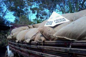 Manhumirim: Caminhão e 60 sacas de café roubados são recuperados