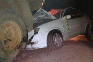 Manhuaçu: Classic bate na traseira de carreta e mata uma pessoa