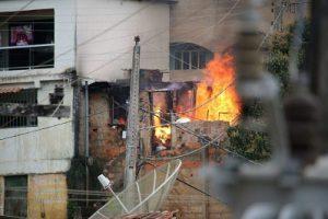 Manhuaçu: Casa pega fogo e família perde tudo em Santo Amaro de Minas