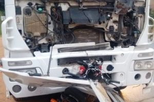 Jovens de Iapu morrem após bater de frente com caminhão