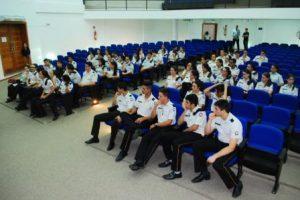 Alunos do Colégio Tiradentes são recebidos na Câmara de Vereadores