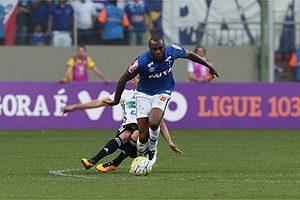 Cruzeiro volta a empatar: 2 a 2 com o Coritiba